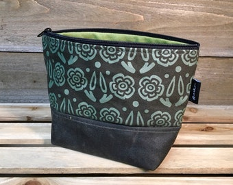 Green Block Flower Waxed Canvas Zipper Pouch