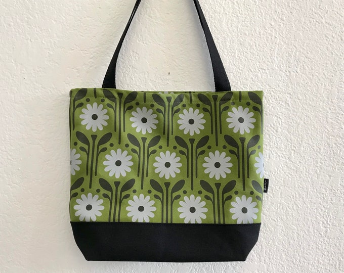 Ready to Ship - Green Daisy Pattern Tote Book Bag - Canvas Tote - Screen Printed Bag - April Birth Flower