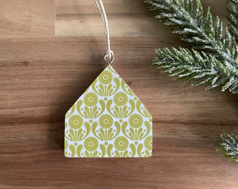 September Aster Birth Flower Pattern Tiny House Ornaments - Christmas Ornament