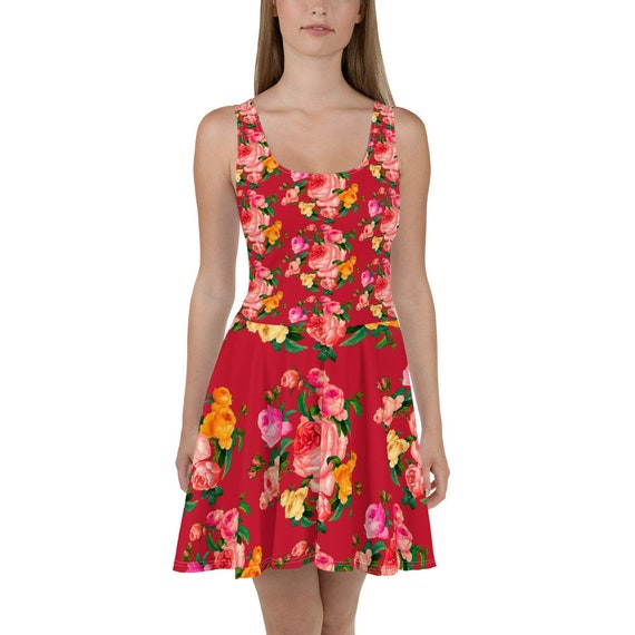 Pin-Up Romantic trapeze dress in red print with a spring bouquet of roses. For rose lovers and pink color lovers.