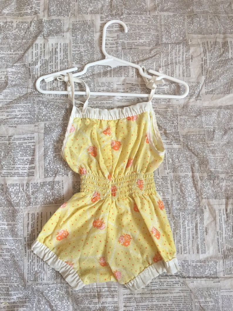 Yellow w Orange Daisies /& Polka Dots Vintage Baby or Doll Romper