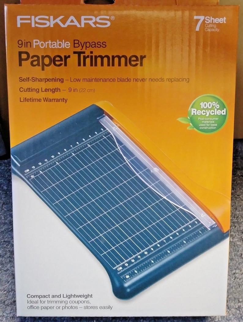 Self Sharpening Fiskars 01-005451 9 Portable Bypass Paper Trimmer 7 Sheet