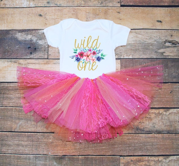 First birthday outfit,Gold One bodysuit,Pink And Gold birthday,handmade