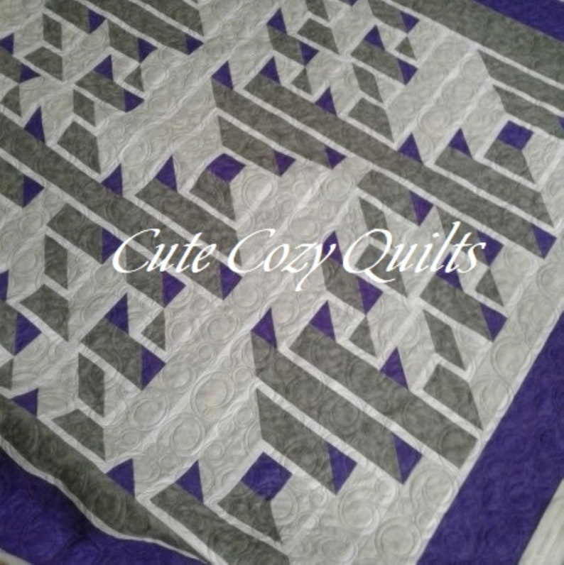 AWESOME Labyrinth 3D Queen Size Quilt in Purple Grey & Light   Etsy