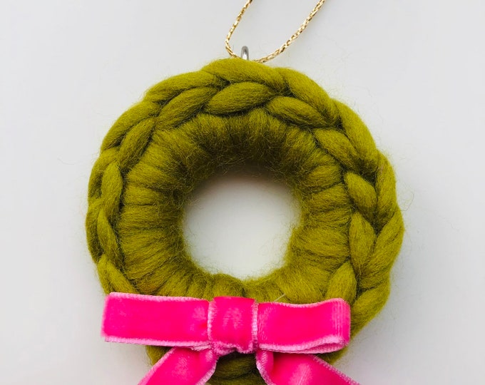 Crochet Mini Christmas Wreath, Tree Decoration. Other colours available