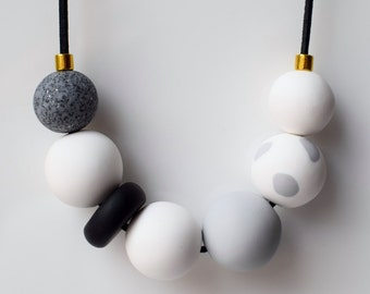 White Smoke Necklace