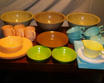 Dallas ware and Texas ware 32 pc melamine set including lunch plates dinner plates cups confetti mixing bowls and many extras