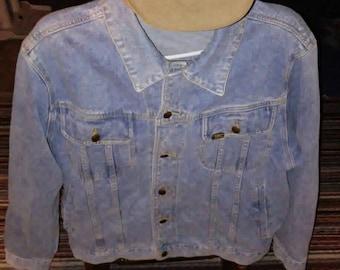 Vintage LEE brand jean jacket mens XL nice fitting stylish 80s  modern fashion SALE retro denim cowboy button up light summer coat htf