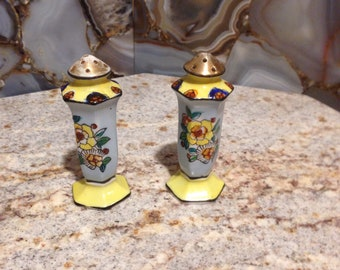 1930s Japanese hand painted salt and pepper shakers