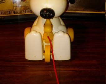 1970s HASBRO snoopy and friends pull toy with original string pre owned