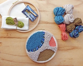 Beginner punch needle kit with abstract pattern - lavor needle - with ecological cotton