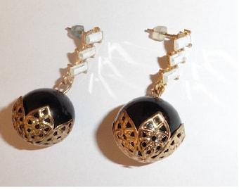 Dangly Earrings. Rhinestones sparkly