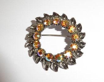 Vintage Brooch sparkly stones