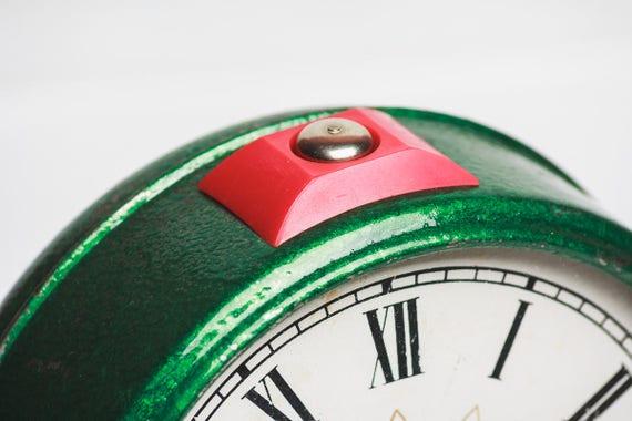 Bureau mécanique de soviétique horloge réveil horloge vintage home