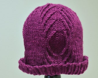 Red-Violet Knit Ripple Cable Hat
