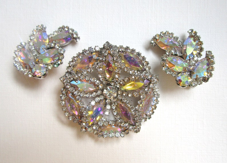 Stunning matching WEISS set earrings and brooch unsigned Weiss rhinestone pin and earrings set AB crystals silver flower Weiss demi parure
