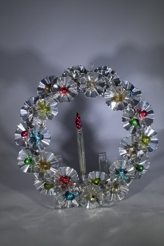 image 0 9 Vintage Foil Wreath with
