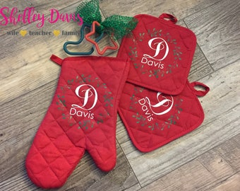 Personalized Christmas Oven Mitt Set
