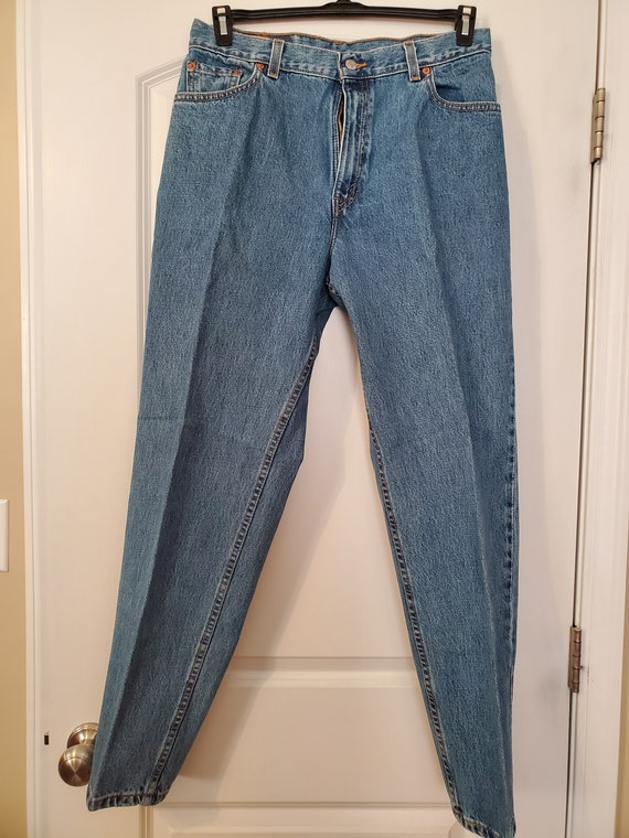 Vintage Mom jeans Levi's 550 Red tabs