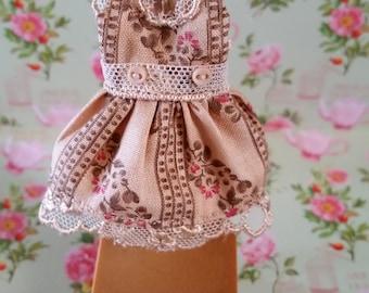 Very Pretty Petite Blythe Doll Dress