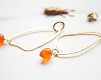 organic shape gold-plated stud earrings with carnelian