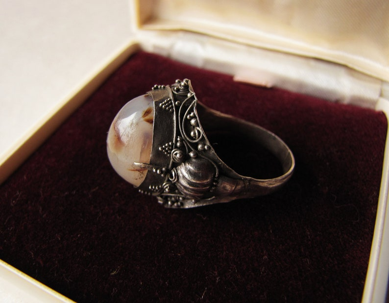 1970s bohemian rockstar jewelry incredible tribal white metal wide band ring size 10 11 grey agate statement ring