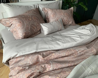 "Pottery Barn /""Soft Paisley/"" Quilted Standard Pillow Sham"