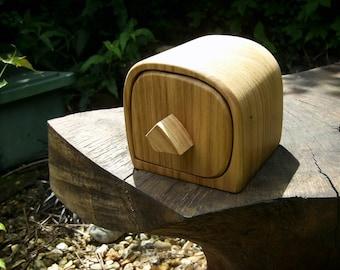 Small Oak Bandsaw Box, Jewellery Box, Keepsake Box