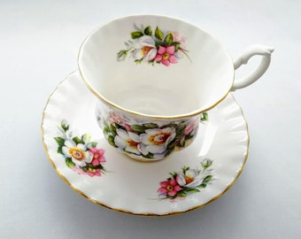 Vintage Royal Albert Bone China 'Woodborough' Tea Cup and Saucer from the Summertime Series Made in England 1970s
