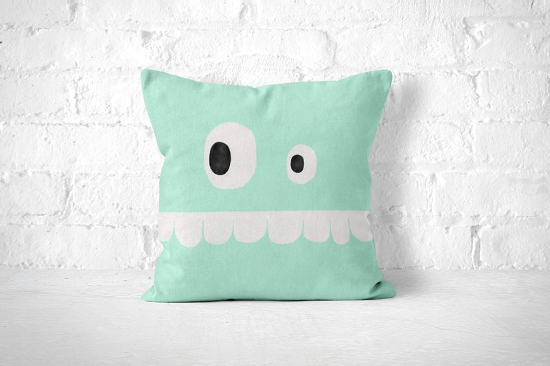 Kussen Voor Kinderen : Funny face pillow mint groen kussen met kinderen kamer decor etsy