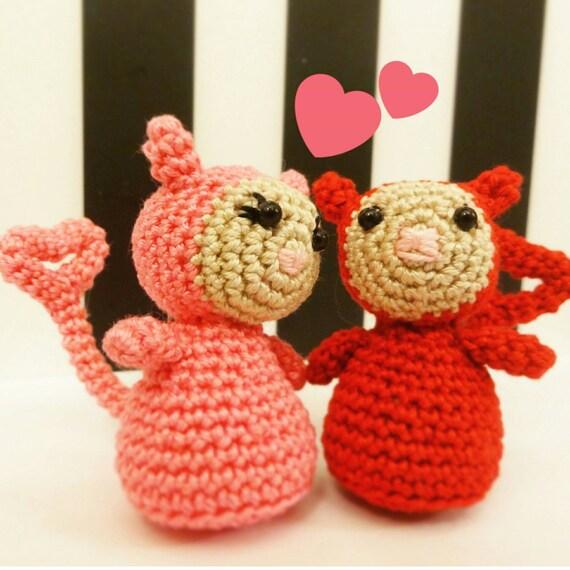 Prêt à expédier - petit diable couple - diable mignon amigurumi - couple - créatrice de la Saint-Valentin cadeau