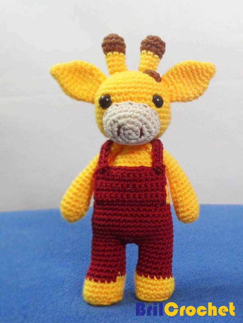 Tiny giraffe crochet pattern | Amiguroom Toys | 1055x794