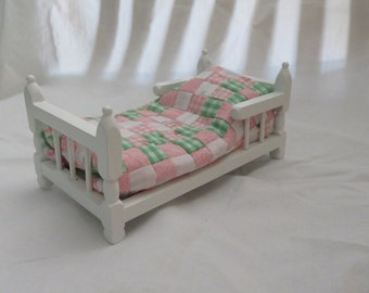 "Dollhouse Twin size Quilt ""Pink Gingham and Roses"""