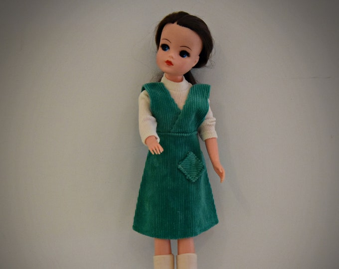 Fantastic vintage outfit Sindy Pedigree / Pretty Pinny / 44052 / 1975 / rare copy