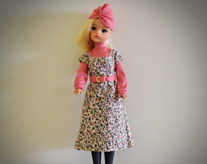 Gorgeous Vintage Sindy Pedigree doll + outfit Lunch Date #44304/ 1977 / Sindy fashion
