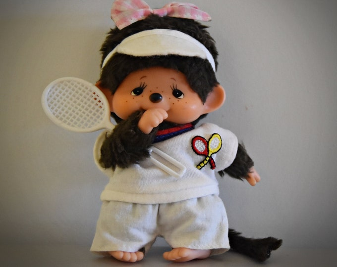 Vintage baby Monchhichi ± 13cm / super cute Monchhichi in tennis outfit / girl / Sekiguchi Japan