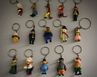 Vintage key rings / theme Flipje Tiel / The Betuwe / 60s / set of 15 pieces / plastic