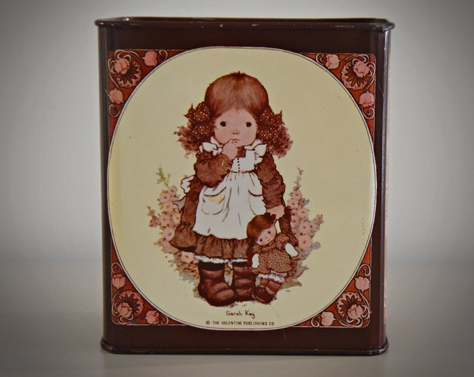 Vintage and nostalgic piggy bank Sarah Kay / Gaze / Valentine Australia / The Valentine publishing co / 70s