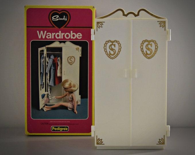 Vintage Sindy Pedigree wardrobe / Wardrobe Sindy fashion doll (no. 44502)
