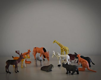 Vintage miniature plastic Wild animals/set of 12 pieces/Craft supply/Made in China