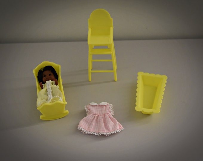 Vintage Sunshine Family Baby Doll Sweets + Accessories/Mattel 1973-1974/Taiwan/Yellow Furniture Edition