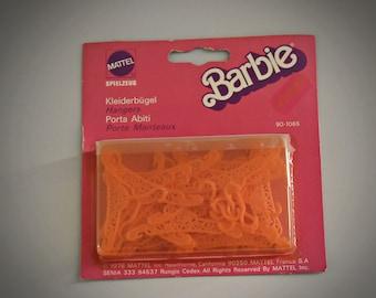 Vintage Barbie Pendants / NRFB / 90-1065 / ± 24 pieces / 1976 / Mattel / orange