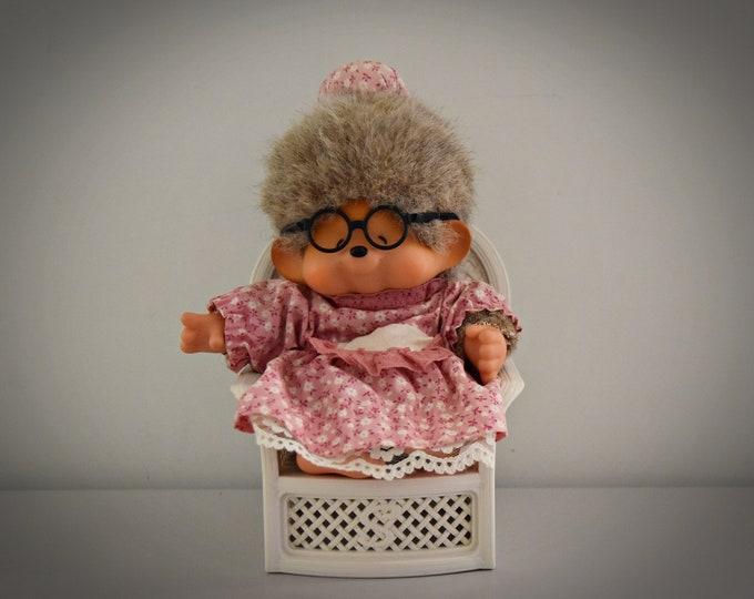 Very nice vintage Grandma Monchhichi ± 23 cm / Sekiguchi / + Monchhichi fashion / Original of 1974 / label present