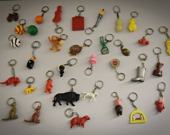 Vintage key Rings/Theme Plastic-advertising-sports-animals..../1968/Set of 33 pieces