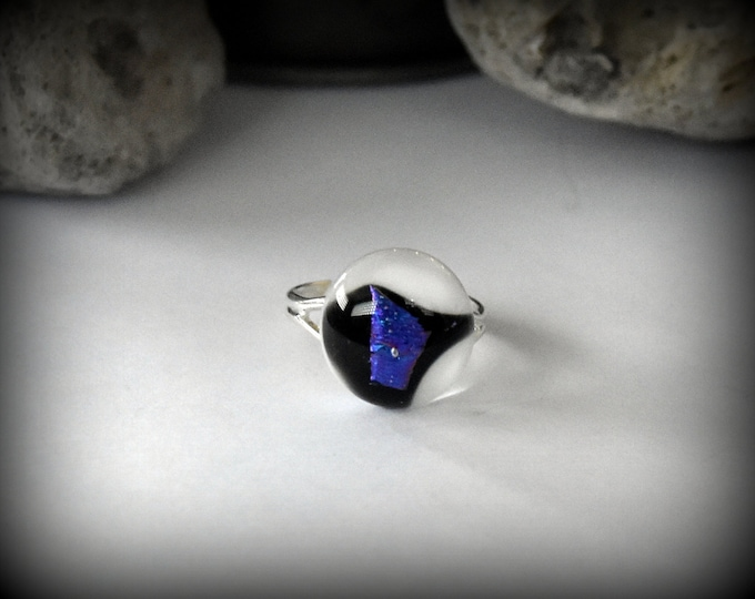 Dichroic Adjustable ring-glass jewel