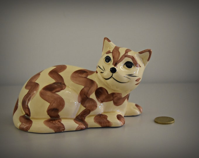 Cute vintage female figurine/Cat lover Gift