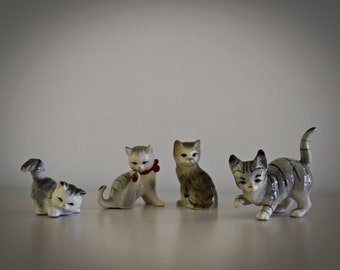 Set of 4 cute vintage miniature cats figurines/puffs/CAT/kitten/porcelain