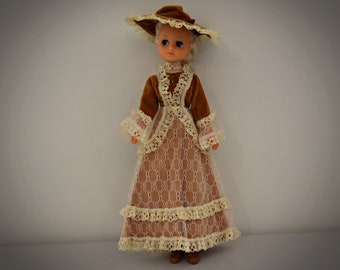 Vintage outfit Fleur Doll Belle # 1020 (Dutch Sindy)/Otto Simon/Fleur fashion + matching brown Sandals/1978