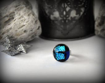 Adjustable dichroic ring/glass jewel/blue and cobalt blue brilliance