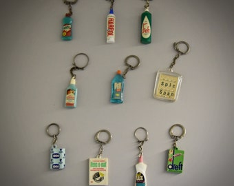 Vintage key chains / advertising / theme cleaning products - detergent - dishwashing product .... / 1968 / set of 10 pieces